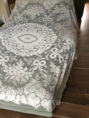 """Quaker Lace Tablecloth Beige Flowers,ribbons,leaves #5090  72"""" X 66"""" No Stains.."""