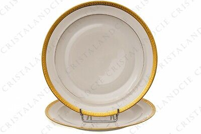 Deux assiettes plates incrustations or par Chastanier. Two dinner plates gold