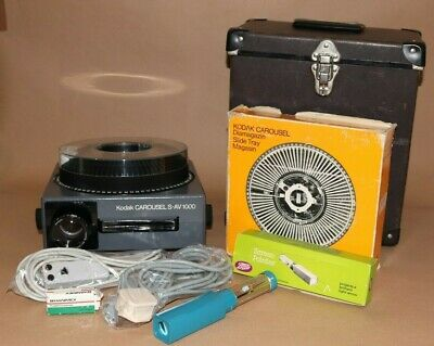 Kodak S-AV 1000 Slide Projector  + Hard Case & Accessories Tested & Working