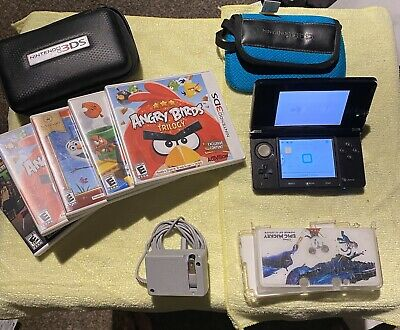 Nintendo 3DS System Bundle W/ 5 Games charger Free Shipping Non Smoker 3 Ds
