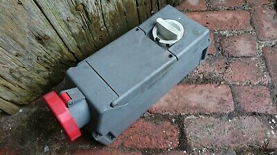 3 phase 16A Industrial Socket. Switch. IP67