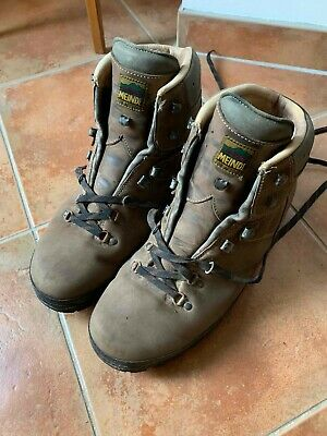 Mens Meindl leather walking boots - size 11.5