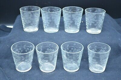 """Group of 8 Vintage  1 oz Etched """"GRAPES"""" Clear Glass Cordial/Shot Glasses"""