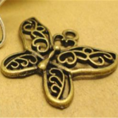 2pcs Hollow Butterfly Necklace Fashion Accessory Pendant 29x26mm