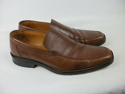 A Pair Of Mens  Brown Leather Crew Shoes Size Uk 7.5.