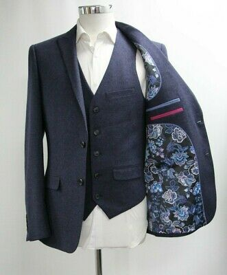 Men's Unbranded 3pc Suit in Navy Blue (40R)..Ref: 7227