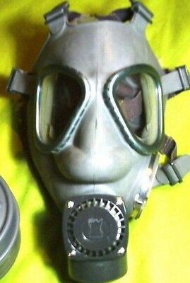 New/old stock 3rd GENERATION Finnish M61 Gas Mask w/ NOKIA Amplifier(NO Filter)