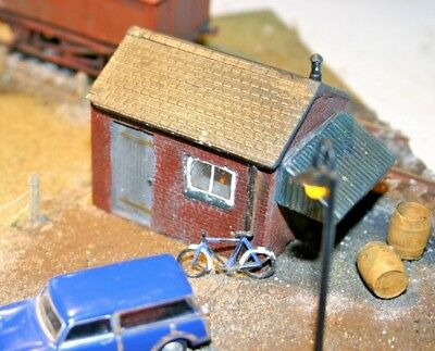 Detailed Model Building Railway Hut / Workshop For HO / OO Painted New 02