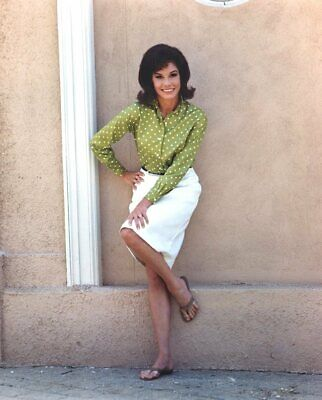 Suzanne Pleshette Posing Leaning Against The Wall 8x10 Picture Celebrity Print