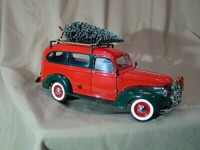 2001 Franklin Mint 1946 Christmas Chevy Suburban  Limited Edition with gifts