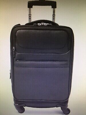 """Genius Pack G4 22"""" Carry On Spinner Luggage - BLACK"""
