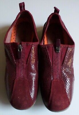 Ladies: RED SUEDE 'CUSHION WALK' SHOES - UK Size 4 (Eur 37)