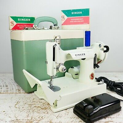 221K WHITE Singer Sewing Machine Case 1960s Newly Serviced & Ready to SEW VTG