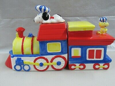 Peanuts Snoopy  & Woodstock Vintage Ceramic Train Bookends By Willitts 1991