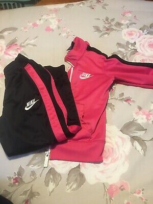 Girls Nike Tracksuit Age 4/5 Years