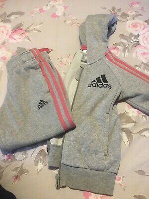 Girls Adidas Tracksuit Age 5/6 Years