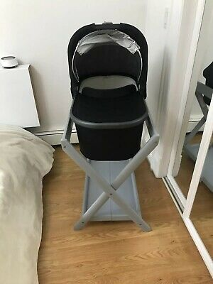 Uppababy Vista Bassinet & Stand, Used - Great Condition, Black & Grey Wood Stand