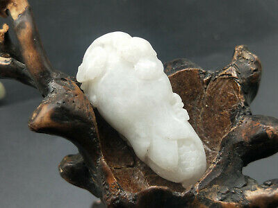 100% Delicate Chinese natural Hand-carved Myanmar Jadeite pendant corn