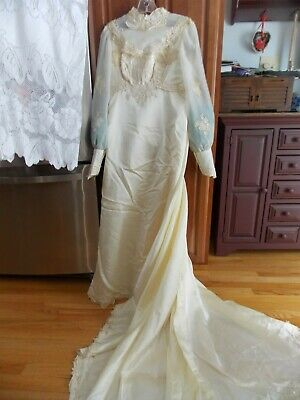 1970's Ivory Satin Empire Style Wedding Gown.Lace Applique Bodice