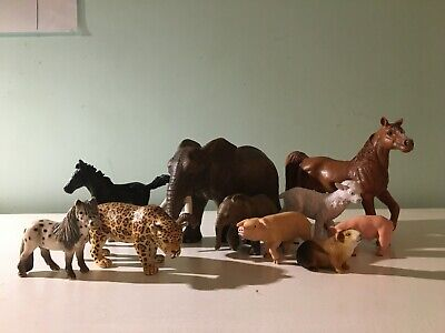 WENNO FARM ANIMAL 8 PCE SET WITH APPS  SCALE SIZE FARM ANIMALS HORSES /& POULTRY