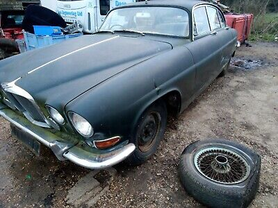 Jaguar Mk 10 3.8 barn find spares or repairs