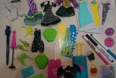 Lot ~ Monster High Doll Clothes & Accessories ~ 30 Items