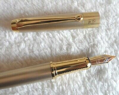 High Quality HERO Pen Champagne Gold 0.5mm Medium Nib Fountain Pen Gold Trim Nib