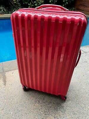2 Suitcases From Victoria Station 25$ For 1 Or 2 For $40