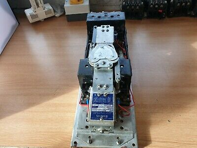 Square D 8702 DO-1 Contactor 110/120 Volt Coil 50 Amp.