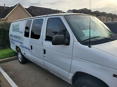 Truck E350 Ford 2002 mount carpet cleaning machine Hydramaster . It sell as is.