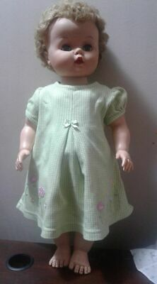 Vintage 1950's Dee & Cee Canada made Doll