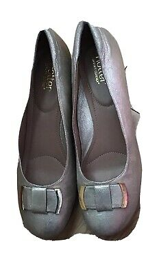 New Ladies Court Shoes in Gold by Hotter size 8 (42)