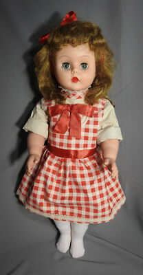 """Vintage Deluxe Reading Betty's Beauty Parlor 1964 Doll 24""""Tall Jointed Knees"""