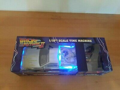 BACK TO THE FUTURE PART II 2 1/15TH SCALE diamond SELECT - LIGHTS UP AND NOISES