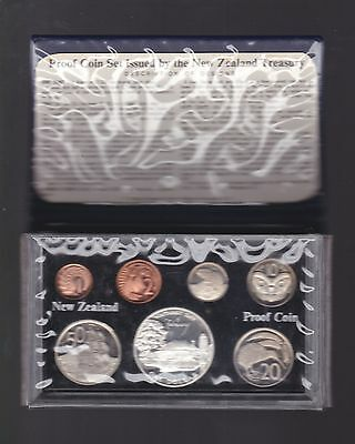 1977 New Zealand Proof Coin Set inc Silver $1 Waitangi Day Coin A-189