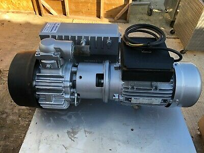BUSCH RA 0063M3/hr  E OIL LUBRICATED ROTARY VANE Vacuum PUMP 240V