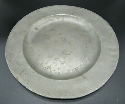 English James I pewter eating plate, stamped with makers marks, made in London