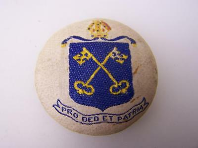 Pin back badge St.Peters College Adelaide 'Pro Deo et Patria'               3776