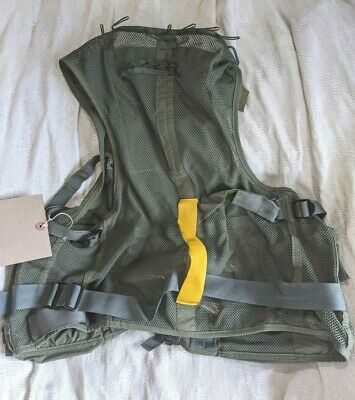 Canadian Force Helicopter Survival Vest Size MEDIUM Canada Army Military 40-44