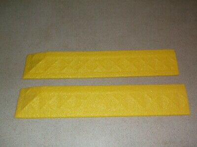 """2 ERGO Concepts ADVANTAGE Mat Edging, Recycled PVC 22"""" long 4"""" wide 1"""" high"""