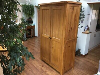 Solid Oak Double Wardrobe with solid wood hanging rail 192cm x 106cm x 58cm