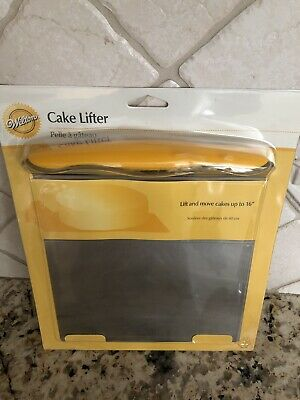 Wilton Stainless Steel Cake Lifter with Non-Slip Handle, 8 x 8 x 1 ½ inches