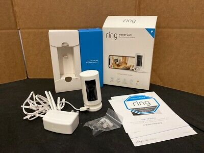 Ring Indoor Cam, Compact Plug-In HD security camera with two-way tal (AO1034132)