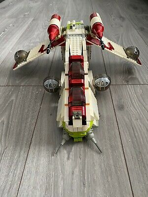 Lego Star Wars Episode 2 Attack Of The Clones Republic Gunship 7163, 2002