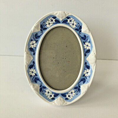 Philip Whitney Blue & White Ceramic Oval Floral Picture Frame For  3'' x 5''