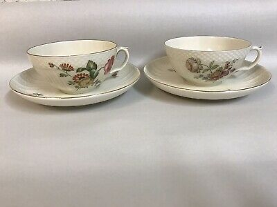 Royal Copenhagen Denmark 2 Tea Cups And 2 Saucers 910 1551