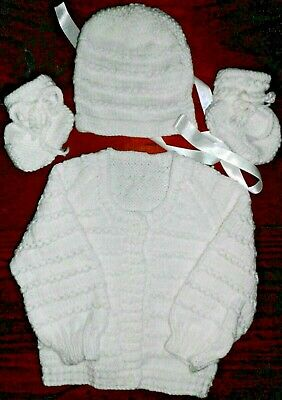 SZ 000 WHITE 3 pce BABY SET HAND KNITTED BRAND NEW