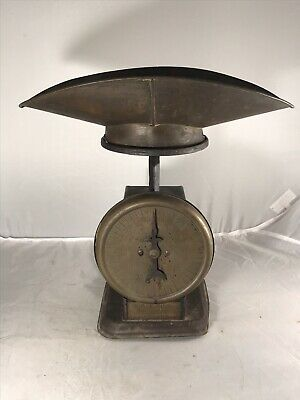 ANTIQUE WILLIAM WRIGLEY JR & CO SCALE NO 99 with PAN  YOUNG AMERICA