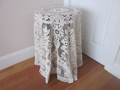 Beautiful Vintage Round Point De Venise Lace Tablecloth