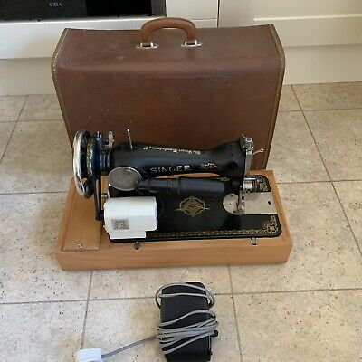 Vintage Singer Sewing Maching 15k Comes In Box And Outer Suit Case (See Photos)